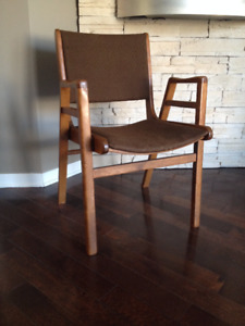 Chaise *** Vintage / Mid  Century *** Chair
