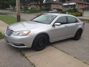 2011 Chrysler 200 Low km