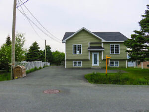 RedUCED AGAIN…NOW $279,900 (w/ In-Law Suite)