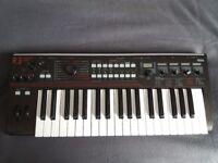 Korg R3 synthesizer vocoder