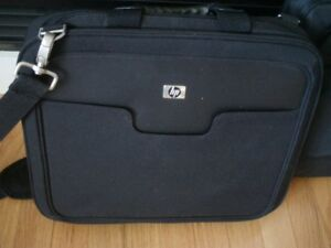HP  laptop case never used//fits up to 15.6 inch