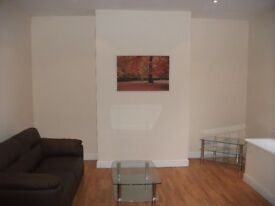 4 Bedroom House on Quarry Street in Woodhouse!! £67 PWPP!! Available: 30th September!!