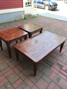 Rustic looking Coffee and End Table set.