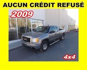 2009 GMC Sierra 1500 **V8, 4x4**Aucun crédit refusé**