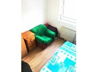 SPACIOUS SINGLE Room in Mile End, Bow, Stepney, E3, Queen Mary Uni, Victoria Park, Zone 2