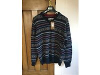 BNWT HOWICK jumper size large