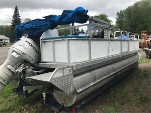 ***HONDA 4 STROKE*** 2006 UFAB PONTOON OR BARGE ETC
