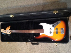Bass guitar- Fender Fretless