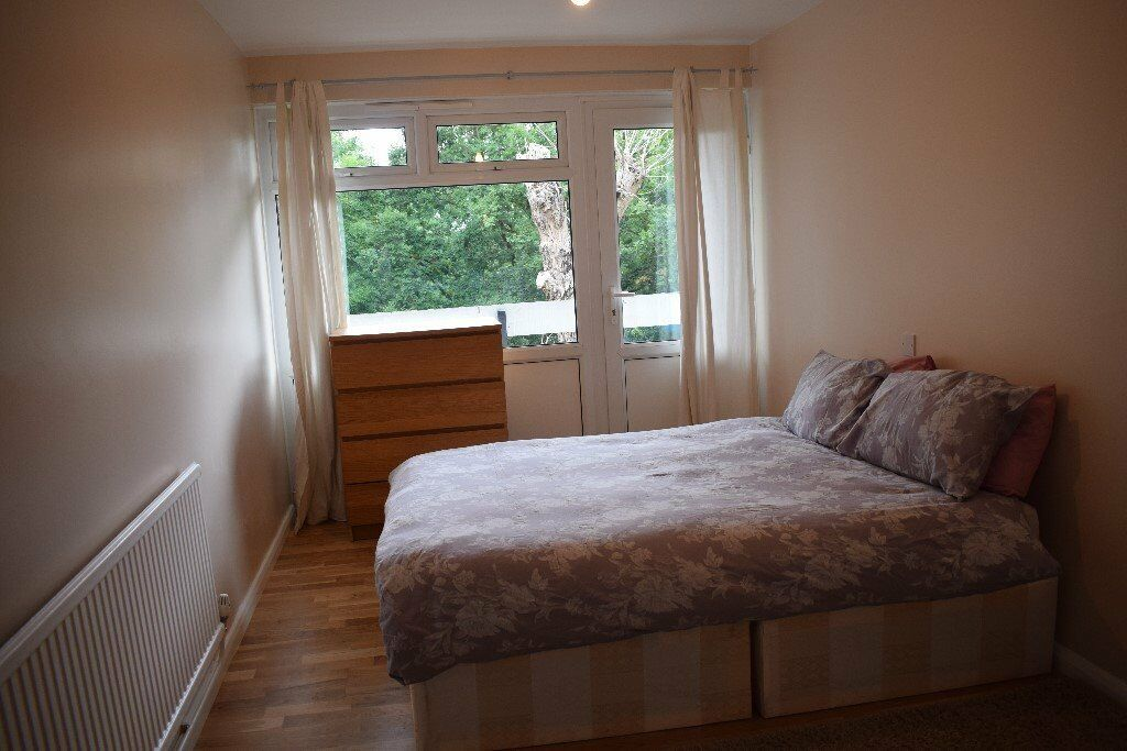 *** Newly Refurnished 1 Bedroom Flat With Views Across London, Walking Distance To Station ***
