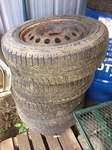 2006 Pontiac Montana van snow tires