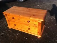 Solid pine ottoman/toy box in lovely condition