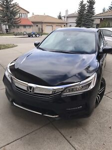 Must see!!  2016 Honda Accord Touring