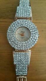Woman watch with dimonds