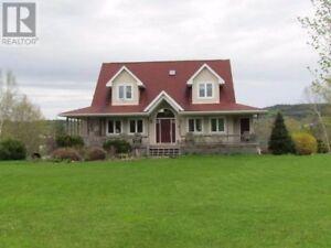 Waterfront Home - Saint John River