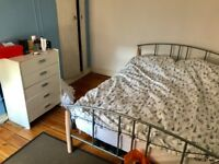 **Double room to rent next to Vicarage Stadium, Watford