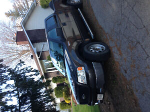 2005 Ford F-150 SuperCrew Triton Pickup Truck wit  extra tires