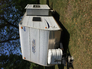 25 ft camping trailer   2003