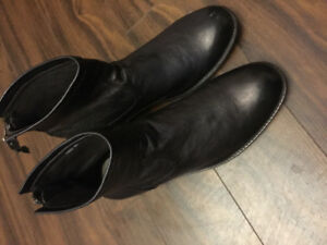 Men Leather boots ready to go $60 only