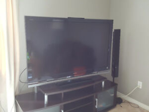 """52"""" Full HD Sony Bravia KDL-42W4100 + Home Theater + TV table"""