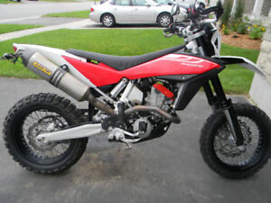 HUSQVARNA SM511 MINT SHAPE CERTIFIED WITH THE SELLERS PACKAGE