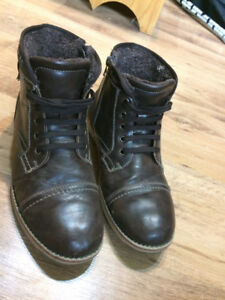 Size 10.5 winter boots
