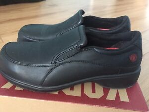 Ladies safety shoes size 9.5 ***reduced*****