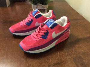 NIKE WOMANS SHOES DELTA FORCE NEW $60 SIZE 7.5