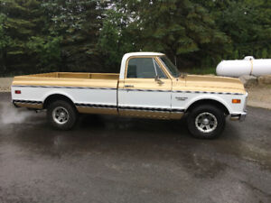 1970 Chevy C10 2DR Pick Up