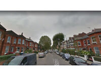 Furnished studio flat available in Cricklewood, Housing Benefit and DSS accepted.