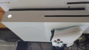 1tb Xbox One S with  Games ! MINT