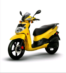 2014 Sym HD 200 gas scooter NEW