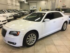 2012 Chrysler 300 S V6 CUIR, MAGS, TOIT PANO