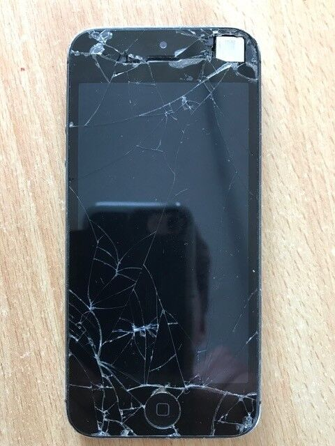 Iphone 5 16GB Black (damagedin Hillsborough, County DownGumtree - Iphone 5 16GB Black Screen is broken and doesnt switch on. Useful for parts etc