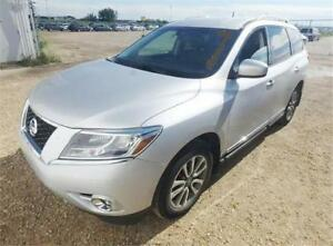 """NO ACCIDENT"" 2014 NISSAN PATHFINDER AWD LEATHER BACK-CAM 7 PASS"