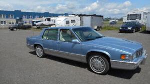 Superbe Cadillac Sedan de ville 1991