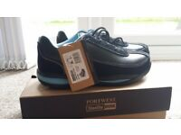 New safety shoes size 5