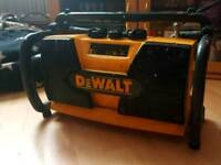 DeWALT job/worksite AM/FM stereo radio