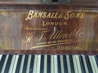 Upright Piano -FREE to collect