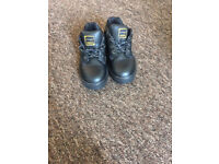 Women safety shoes size 3 DUNLOP