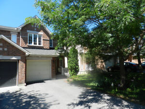 Kanata Bridlewood - 4 bedroom end unit townhouse for rent!