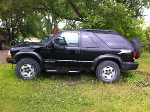 2004 Chevrolet Blazer LS Base SUV, Crossover