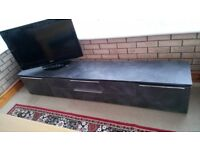 "32"" LG digital TV and Hifi unit"
