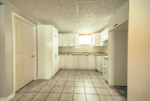 joli 2 chambres à louer/nice 2 bedroom for rent