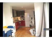 2 bedroom flat in Turnpike Lane, London, N8 (2 bed)