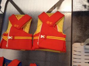 2 vestes de flottaison pour adulte