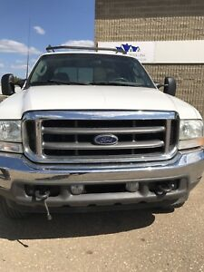 2003 Ford F-350 white Pickup Truck