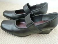 Clarks Womens Shoes, leather, black, size 7