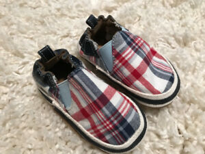 Brand New Plaid Robeez 6-12 month Shoes! New $35 Only $15