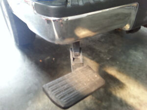 Lund BedStep Retractable Tailgate Step