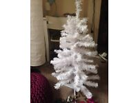 White Christmas Tree Medium Size Height 1 meter + cute decorations and lights